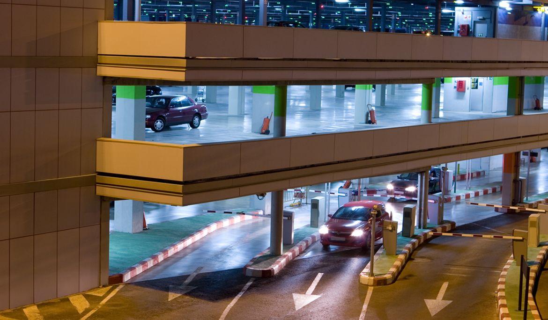 Sistem automat de parcare cu bariere